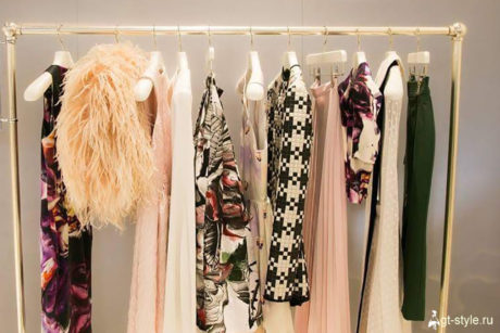 гардероб женщины